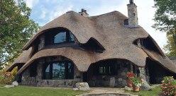 Charlevoix-Mushroom-house-Sunset-Villa-sm-f-box